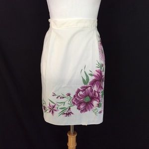 New White floral apron